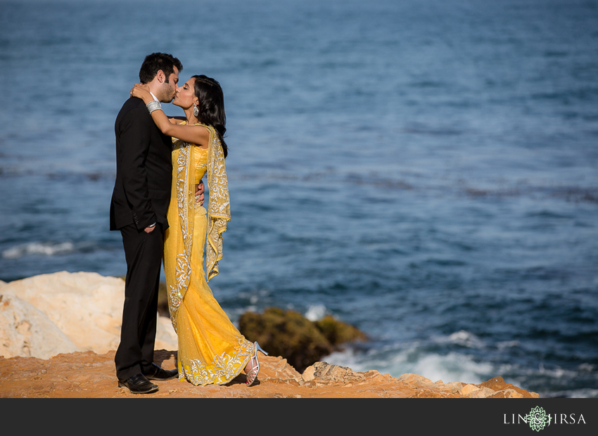 04-romantic-engagement-photos