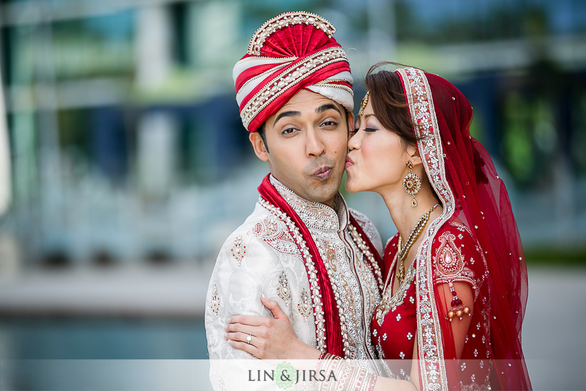 06-old-ranch-country-club-wedding-photographer-baraat