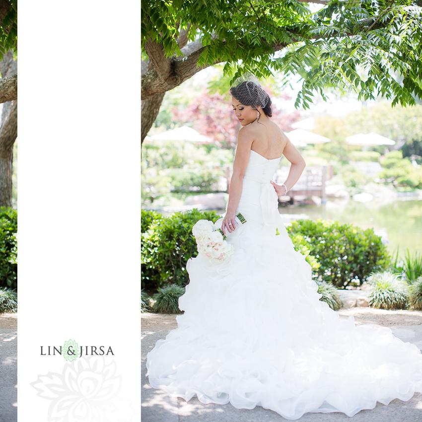 06-the-villa-westminster-wedding-photographer-wedding-bouquet