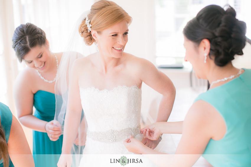 07-destination-wedding-photographer-bride-getting-ready
