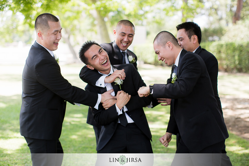 07-los-angeles-county-arboretum-and-botanic-garden-wedding-photographer-wedding-shoes