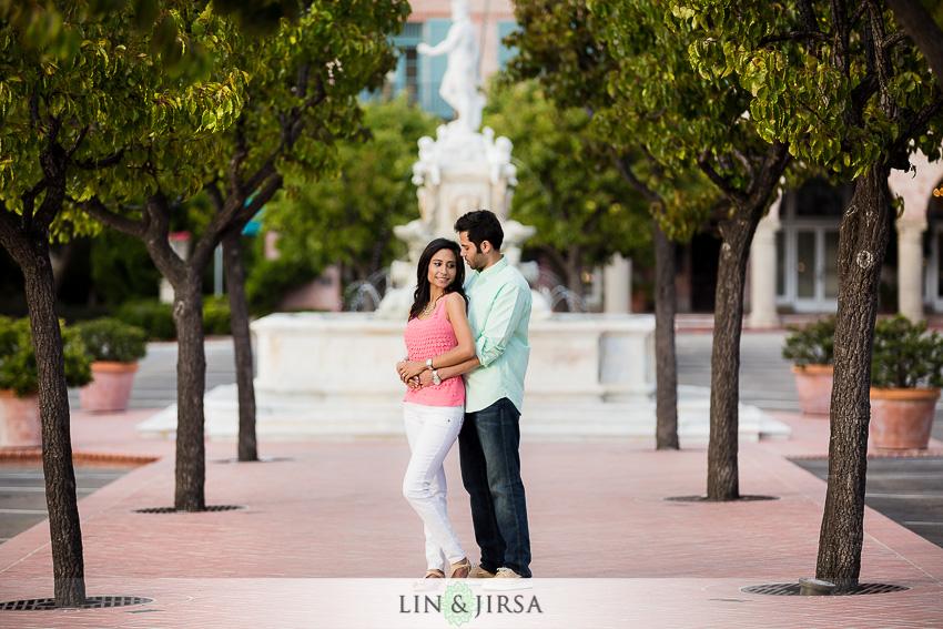 09-romantic-engagement-photos