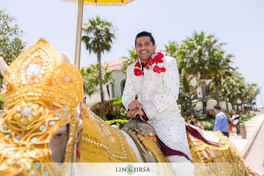 13-hyatt-huntington-beach-wedding-photographer-mandap