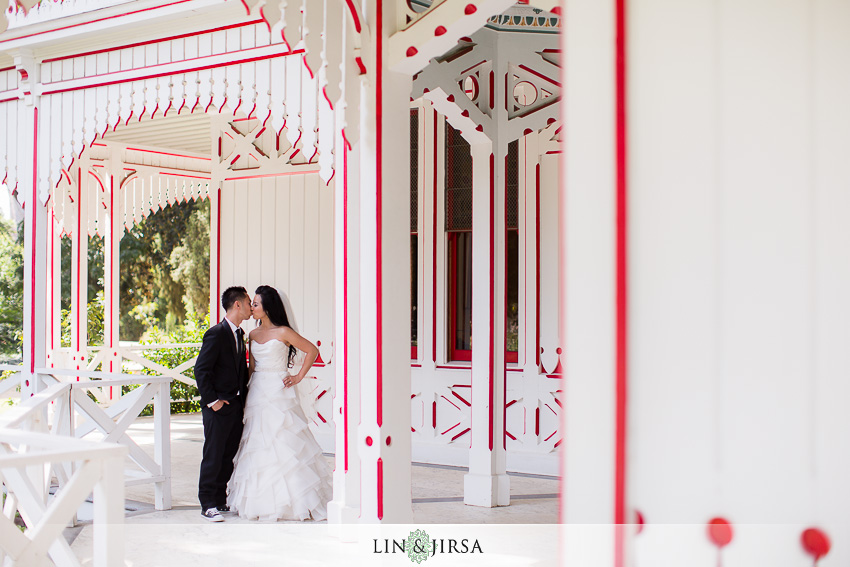 15-los-angeles-county-arboretum-and-botanic-garden-wedding-photographer-wedding-shoes