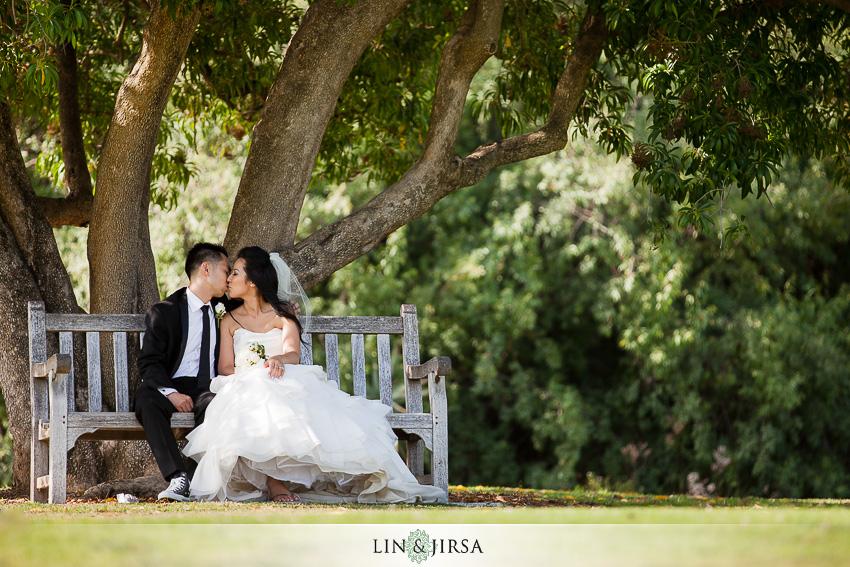 19-los-angeles-county-arboretum-and-botanic-garden-wedding-photographer-wedding-shoes