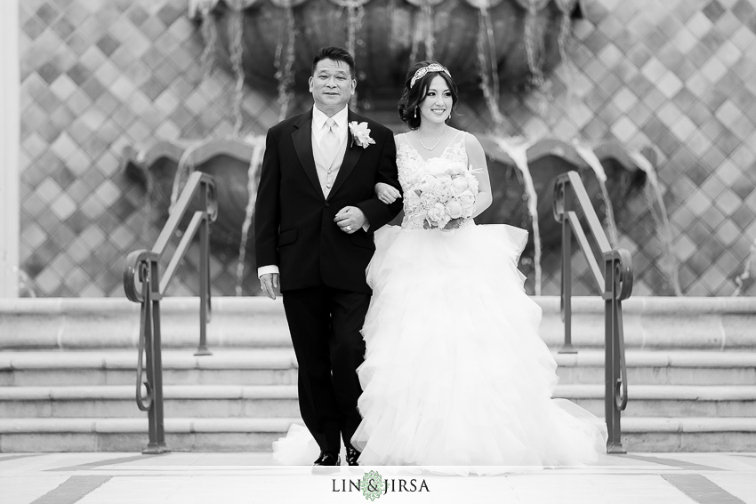 19-st-regis-monarch-beach-wedding-photographer-wedding-dress