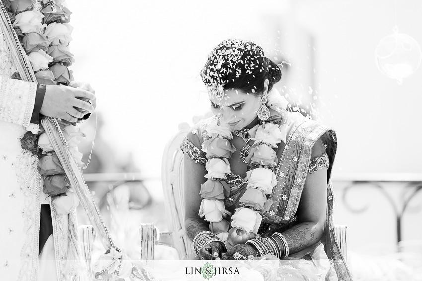 35-hyatt-huntington-beach-wedding-photographer-mandap