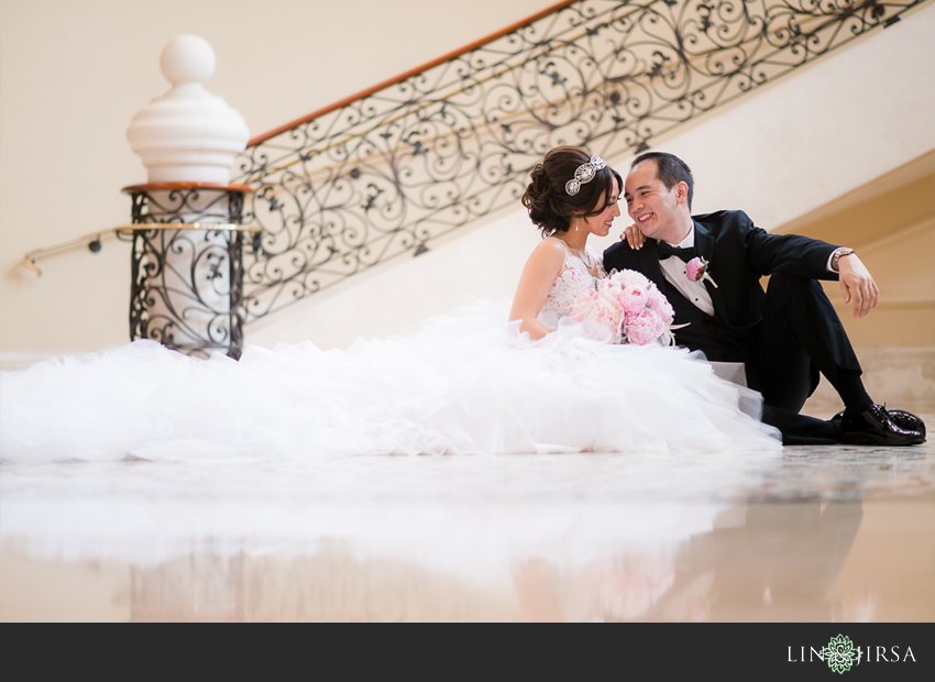 couple-st-regis-monarch-beach-wedding-photographer-wedding-dress