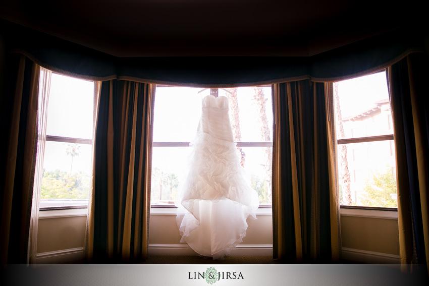 01-skirball-cultural-center-wedding-photographer-wedding-dress