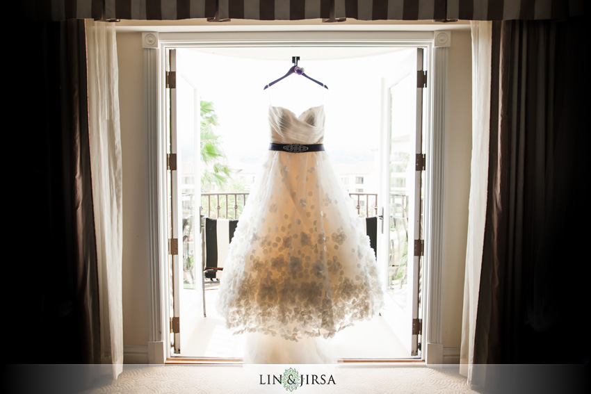 02-st-regis-dana-point-wedding-photographer-wedding-dress