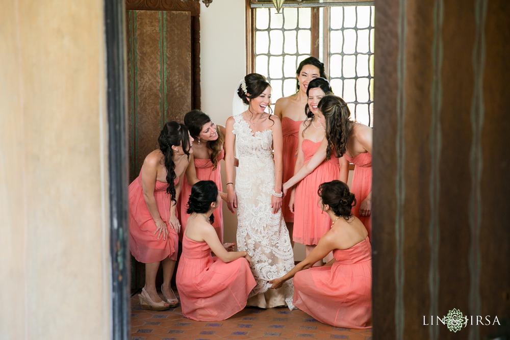 03-adamson-house-malibu-wedding-photographer-bride-getting-ready