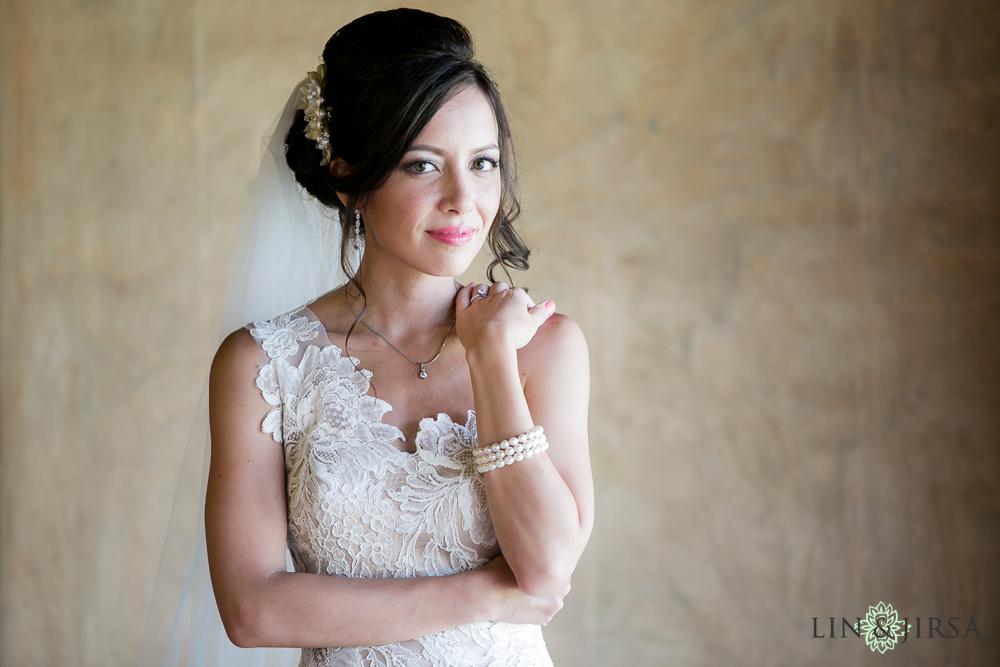 05-adamson-house-malibu-wedding-photographer-bride-portrait