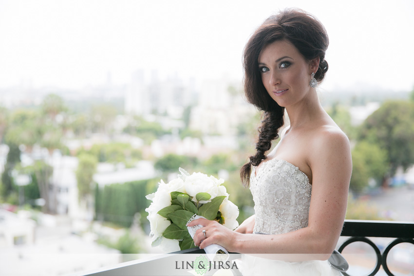 05-the-london-west-hollywood-hotel-wedding-photographer-bride-portrait