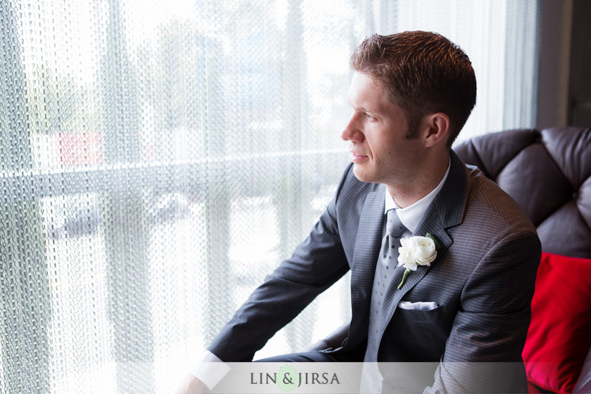 06-the-london-west-hollywood-hotel-wedding-photographer-groom-potrait
