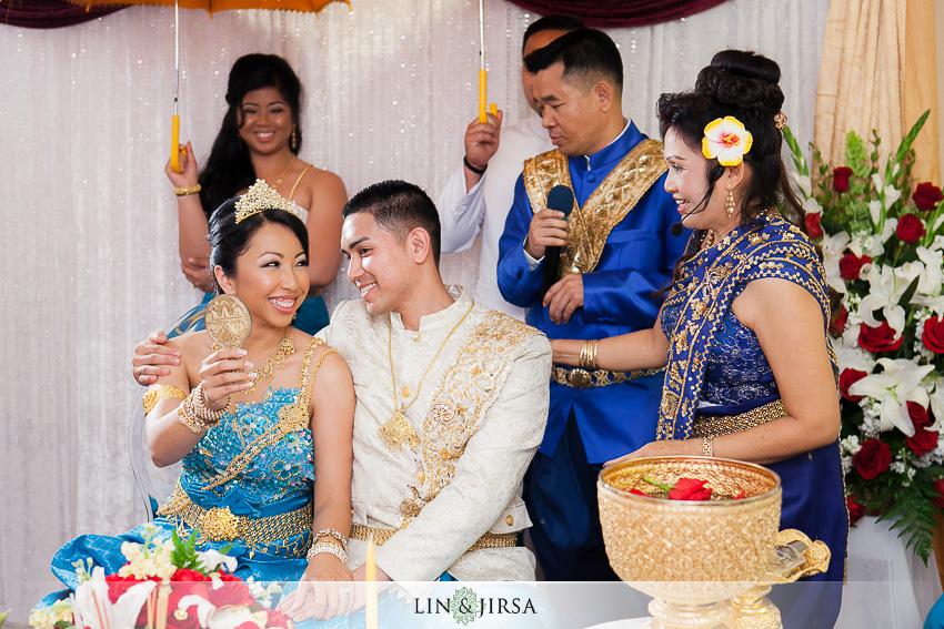 09-cambodian-ceremony-photographer