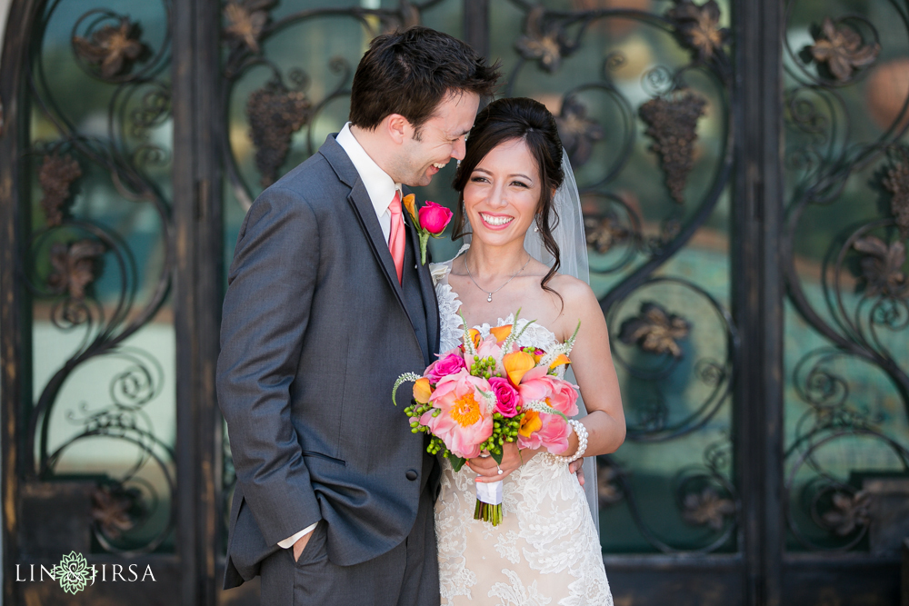 10-adamson-house-malibu-wedding-photographer-bride-and-groom