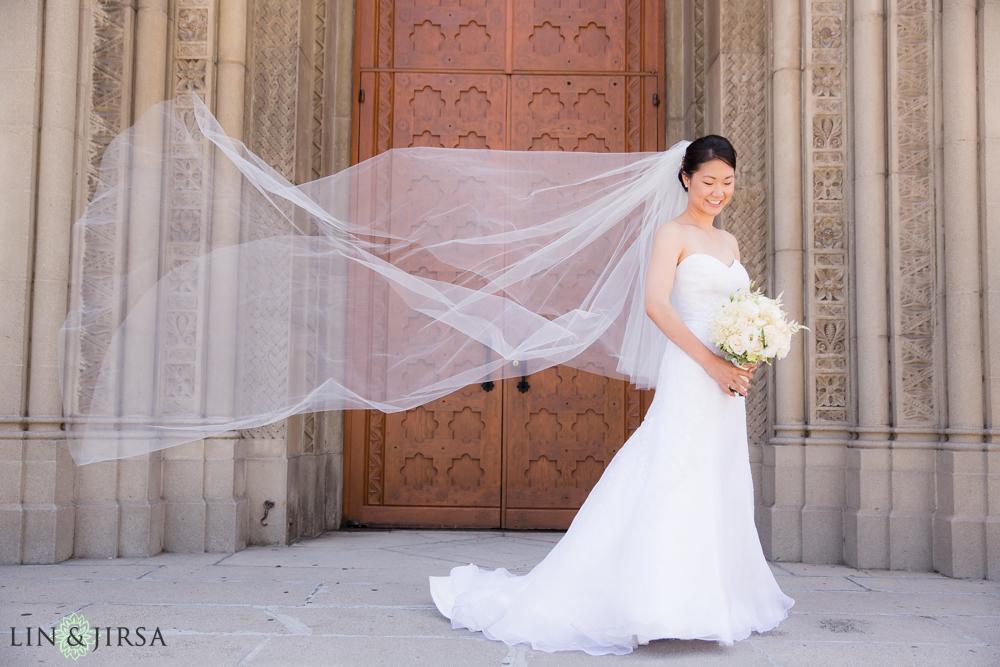 10-los-angeles-athletic-club-wedding-photographer-bride-portrait