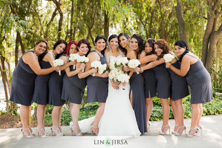 12-royal-vista-wedding-photographer-bride-bridesmaids