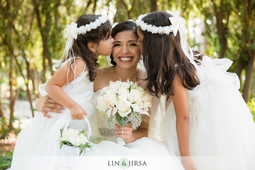 13-royal-vista-wedding-photographer-bride-and-flowergirls