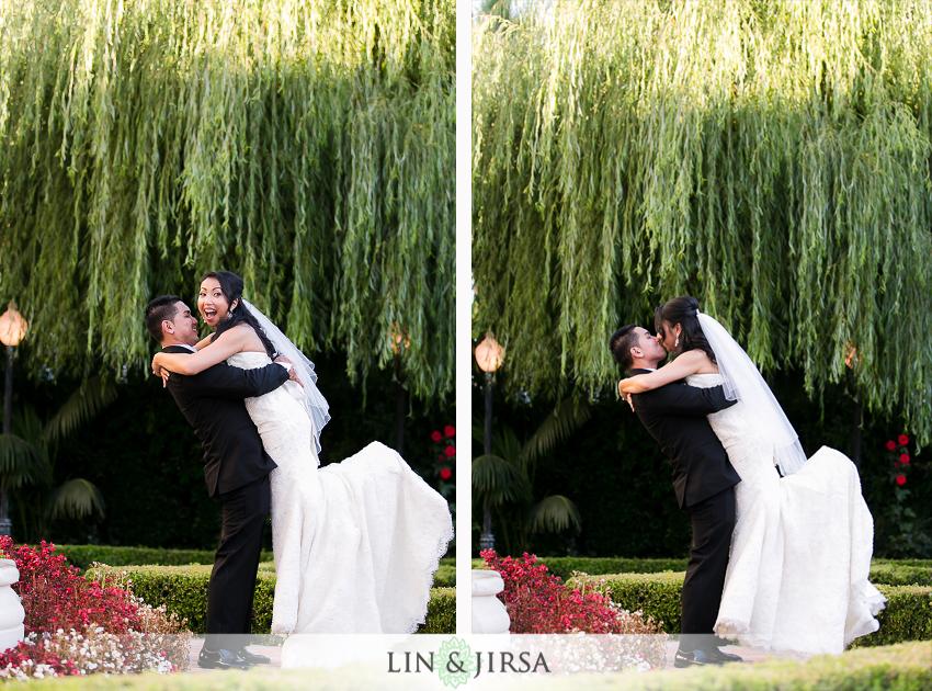 13-taglyan-cultural-complex-wedding-photographer-bride-and-groom