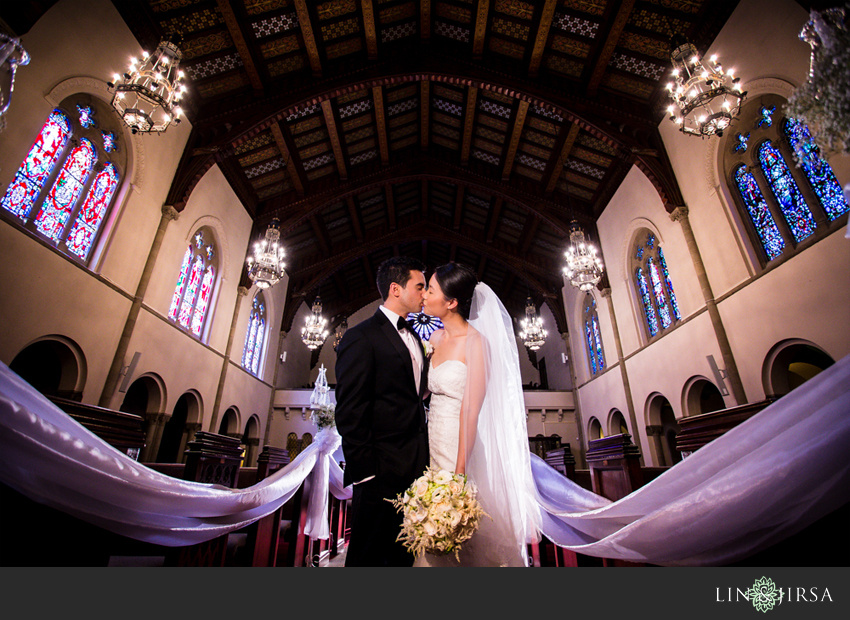 14-los-angeles-athletic-club-wedding-photographer-bride-and-groom-pictures