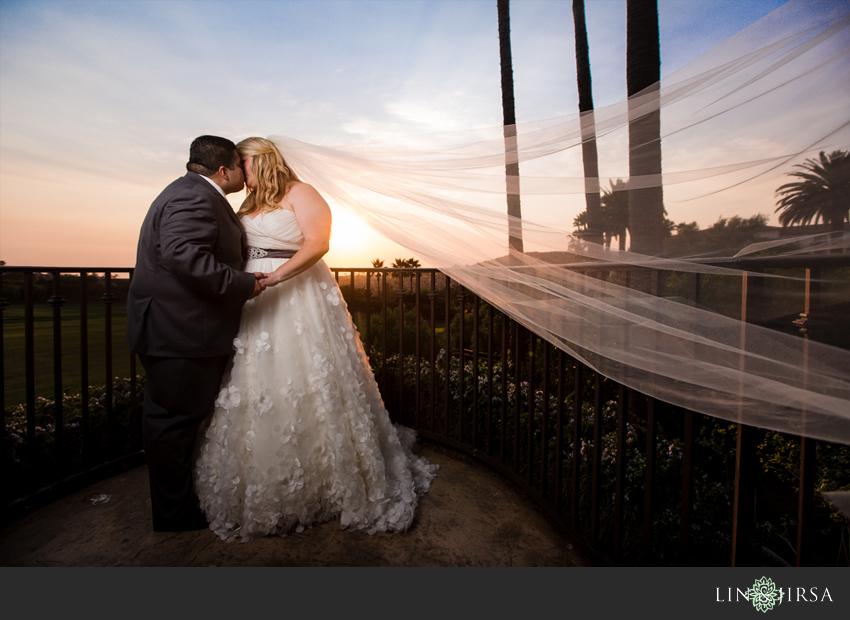 17-st-regis-dana-point-wedding-photographer-bride-and-groom-portrait