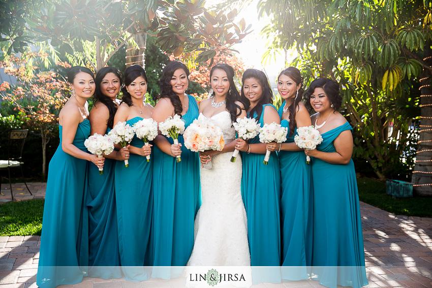 17-taglyan-cultural-complex-wedding-photographer-bride-and-bridesmaids