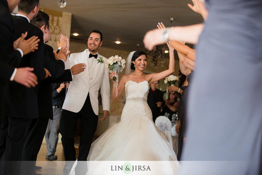 18-royal-vista-wedding-photographer-grand-entrance