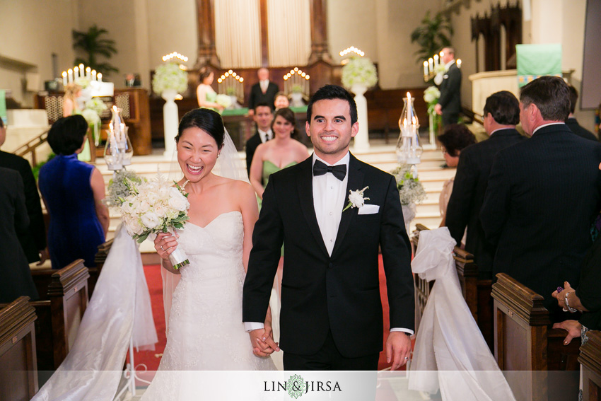 19-los-angeles-athletic-club-wedding-photographer-wedding-ceremony