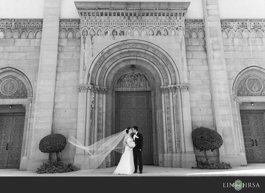 20-los-angeles-athletic-club-wedding-photographer-bride-groom-portrait