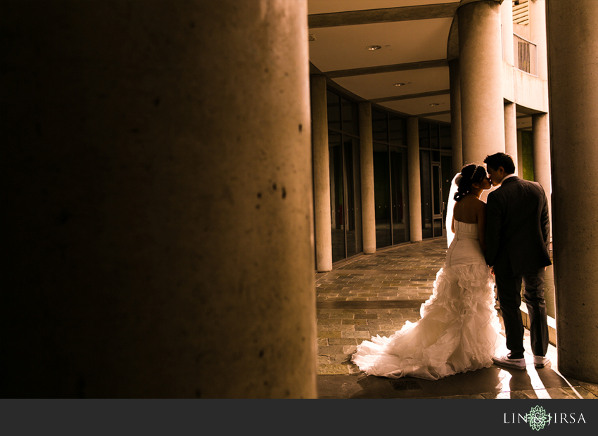 20-skirball-cultural-center-wedding-photographer-couple-portraits