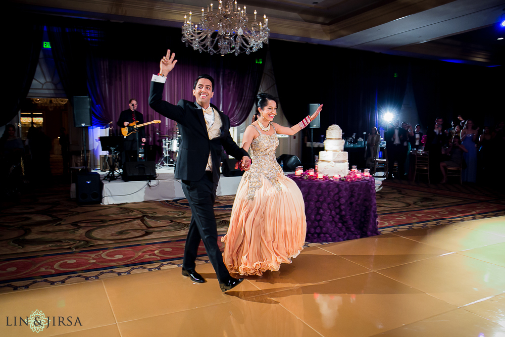22-the-langham-pasadena-indian-wedding-photographer-grand-entrance