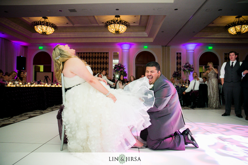 28-st-regis-dana-point-wedding-photographer-garter-toss