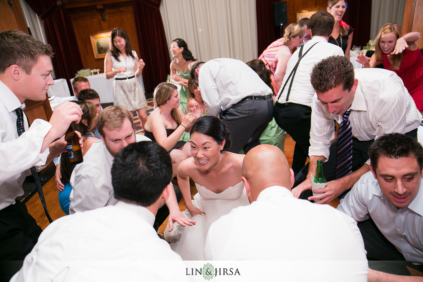 29-los-angeles-athletic-club-wedding-photographer-dancing-pictures