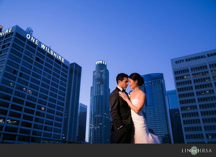 31-los-angeles-athletic-club-wedding-photographer-bride-and-groom-pictures