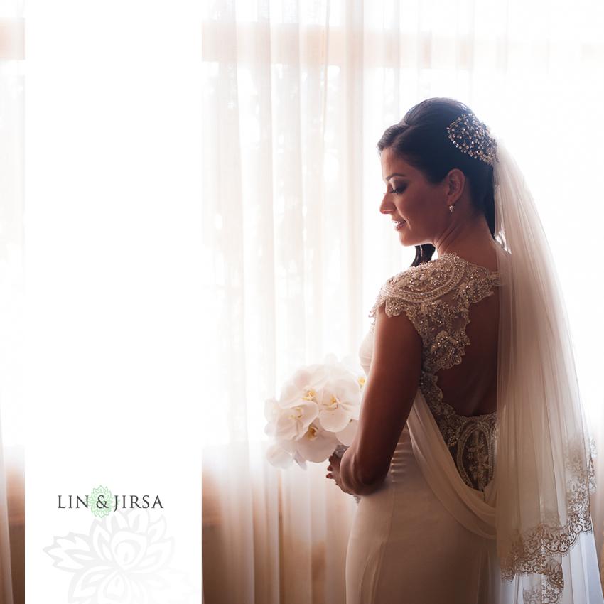 02-pelican-hill-wedding-photographer-bride-portraits