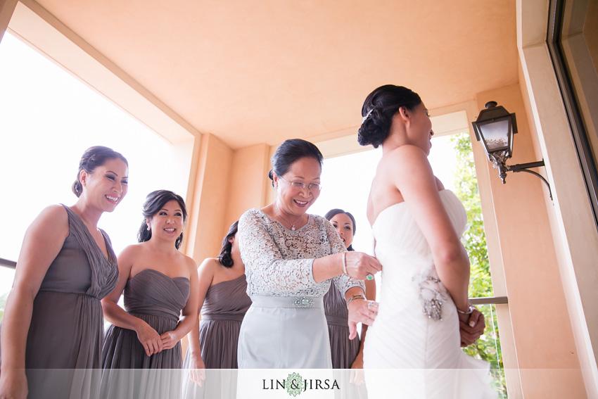 02-seven-degrees-laguna-beach-wedding-photographer-bride-getting-ready