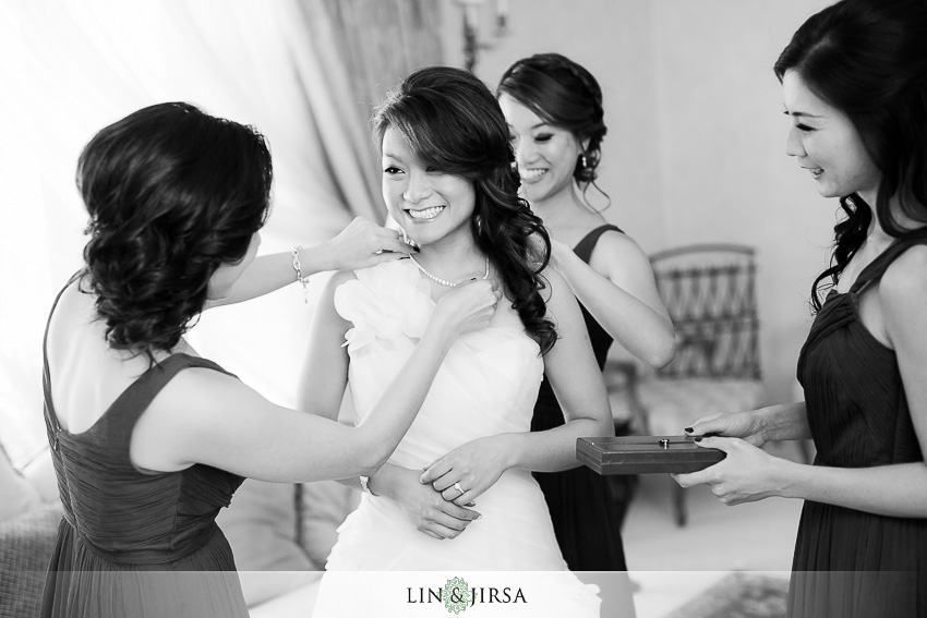 04-walt-disney-concert-hall-los-angeles-wedding-photographer-bride-getting-ready