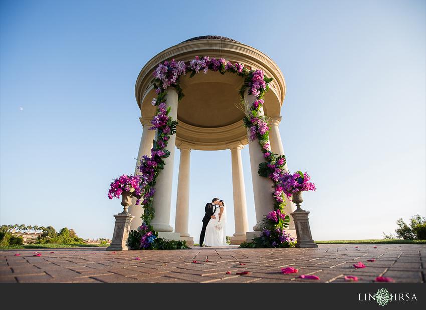 12-pelican-hill-wedding-photographer-couple-portrait