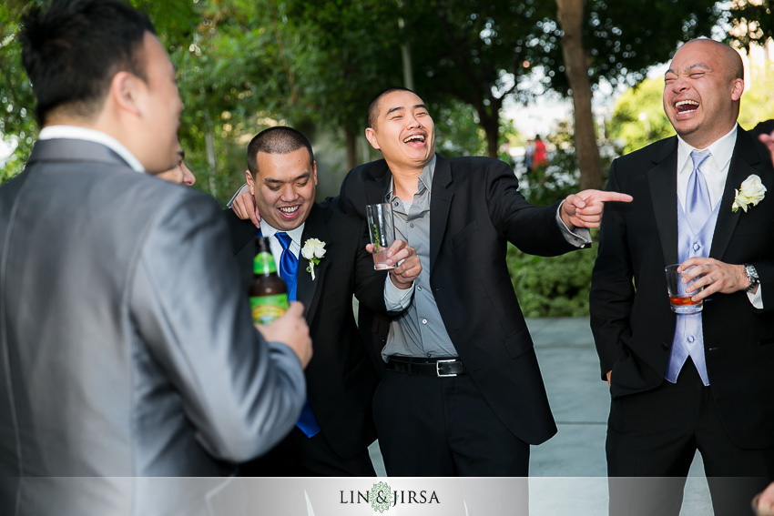 13-walt-disney-concert-hall-los-angeles-wedding-photographer