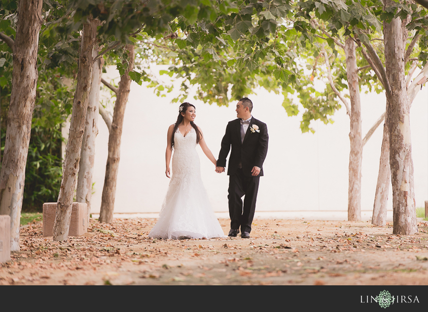 16-crowne-plaza-anaheim-wedding-photographer-couple-session-photos