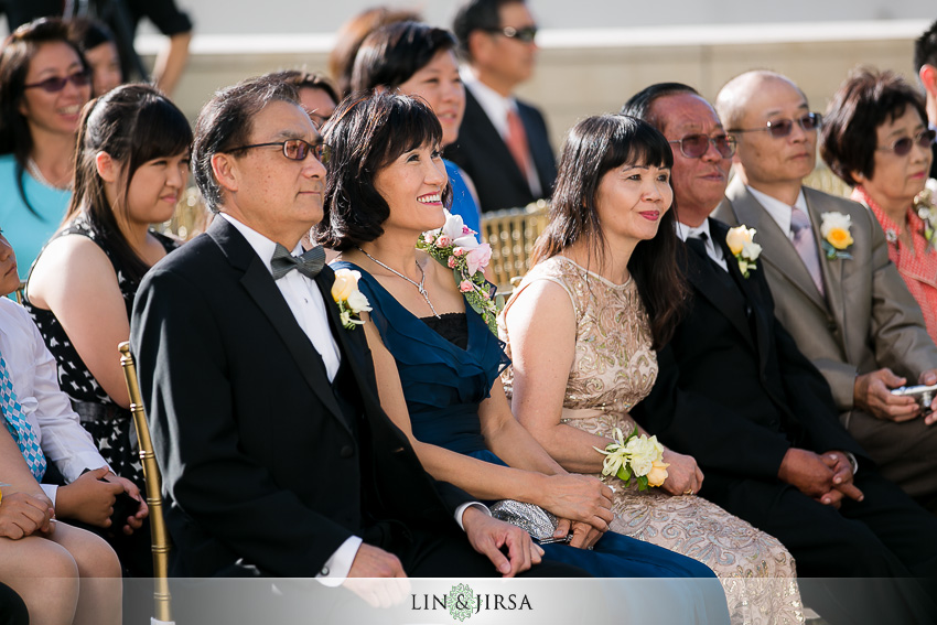 18-walt-disney-concert-hall-los-angeles-wedding-photographer-wedding-ceremony