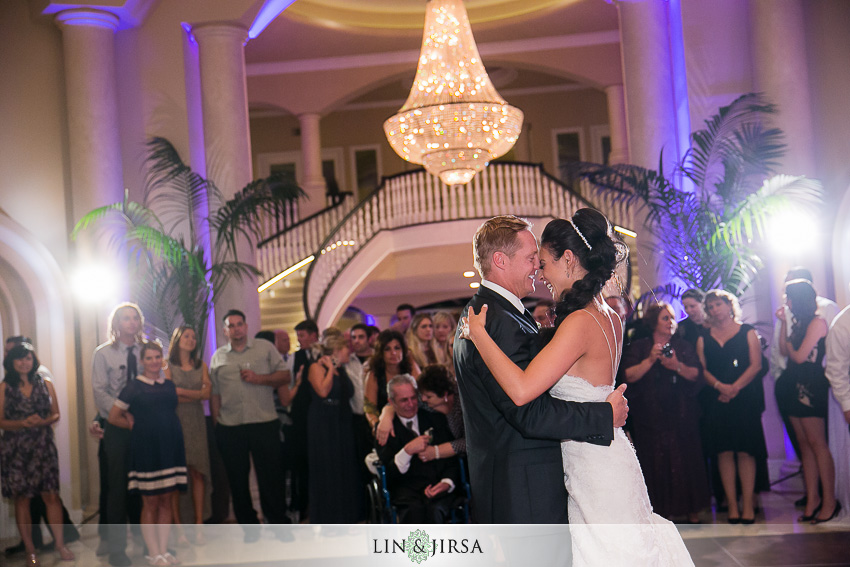 25-san-clemente-wedding-photographer-first-dance