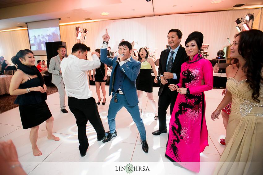29-crowne-plaza-anaheim-wedding-photographer-wedding-reception-photos