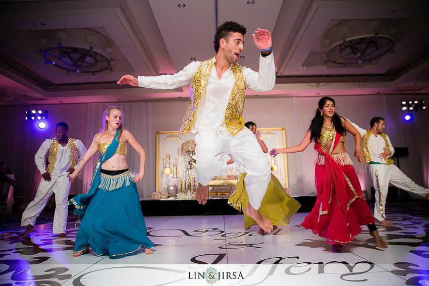 31-laguna-cliffs-marriott-dana-point-indian-wedding-photographer-performance