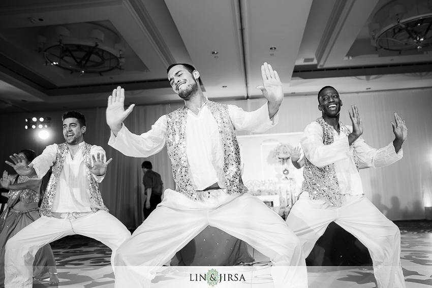 32-laguna-cliffs-marriott-dana-point-indian-wedding-photographer-performance