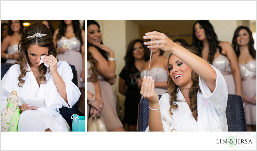 06-newport-beach-marriott-hotel-wedding-photography-bride-wedding-present