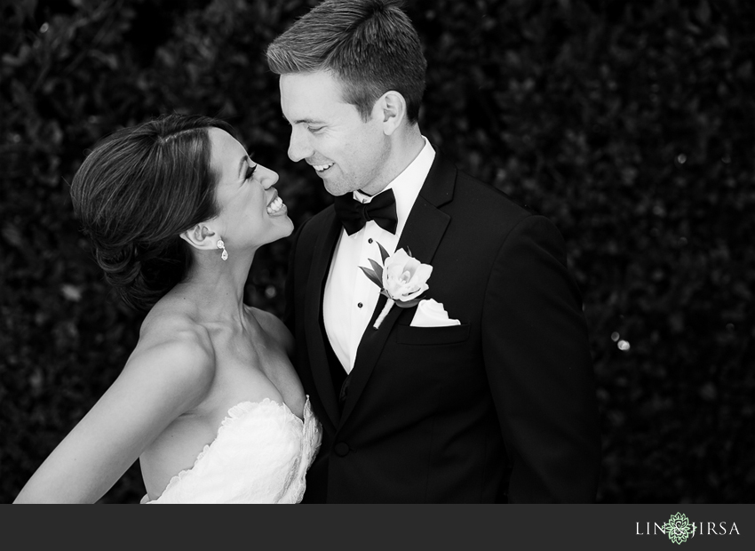09-fairmont-newport-beach-hotel-wedding-photographer-bride-and-groom-portraits