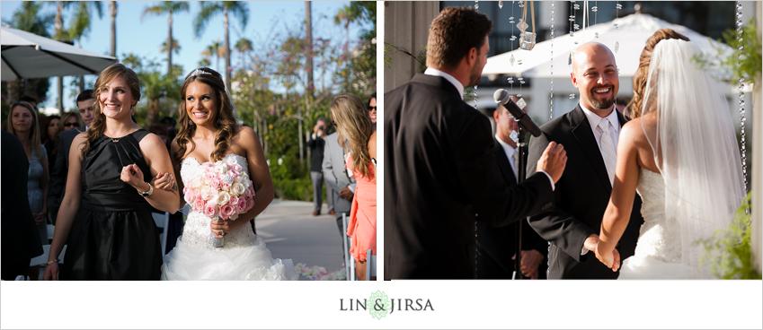 10-newport-beach-marriott-hotel-wedding-photography-wedding-ceremony