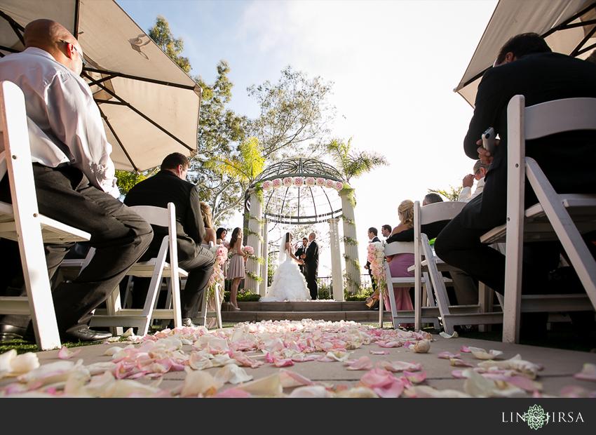 11-newport-beach-marriott-hotel-wedding-photography-wedding-ceremony